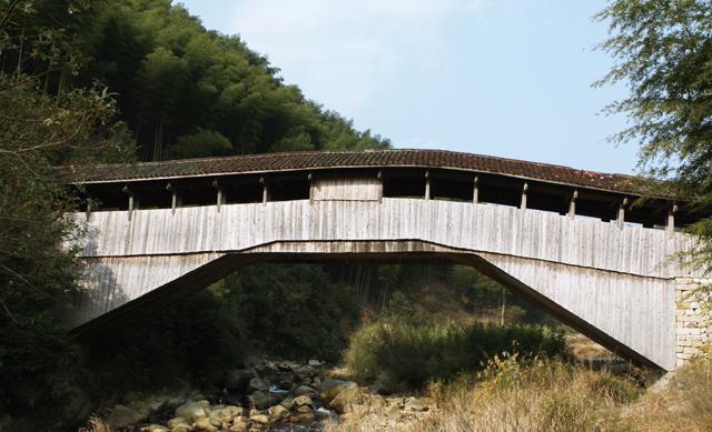 在丽水多见的廊桥