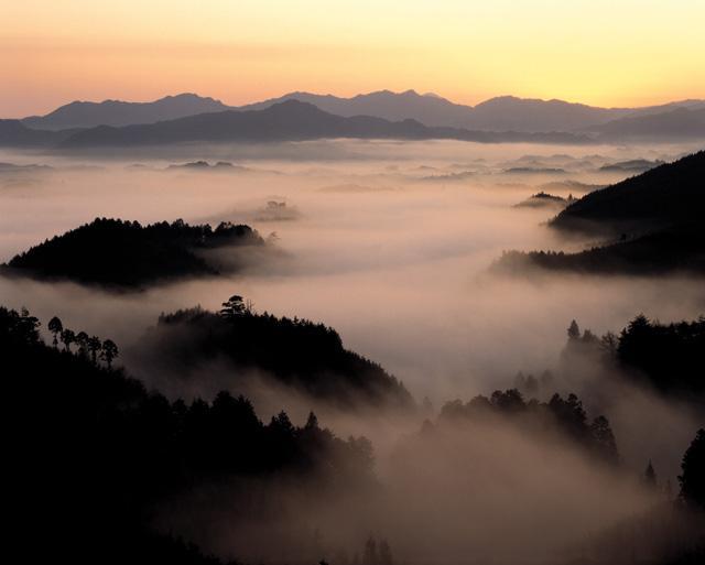 仙雾缭绕的天台山