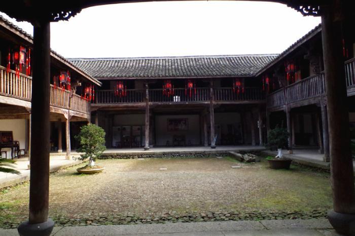 茶场庙门楼