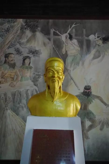 刘光大塑像