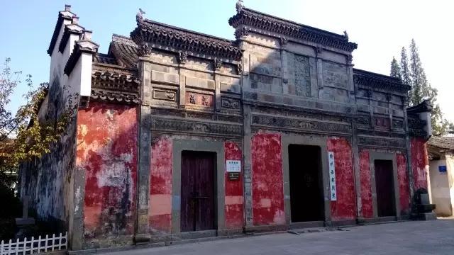 老街上保留的老建筑