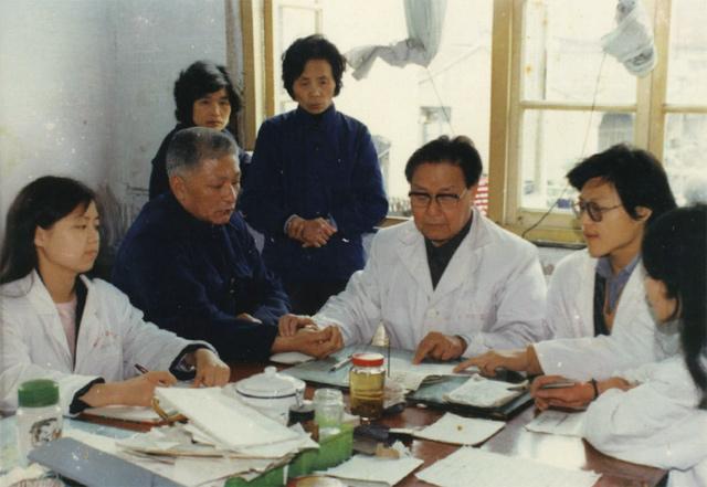 张沛虬和他的学生们